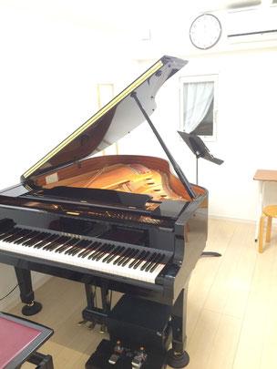 レッスン室A(グランドピアノ)