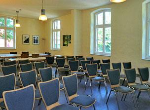 Bahnhof Kettwig, Alter Wartesaal,Konzert Jazz Rüdiger Scheipner,Tarik Dosdogru Bassklarinette,Bassklarinettist,Saxophon,Saxophonist