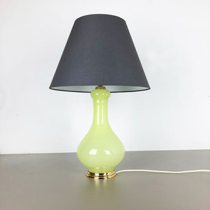 new old stock! opaline glass table light - Cenedese VETRI Murano Italy | 1970s yourhomeplus yourhomeplus.de vintage interior design 60s 70s 1970s 1960s midcentury modern