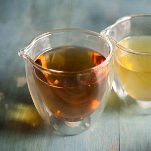 doppelwandiger Teedekanter aus Glas