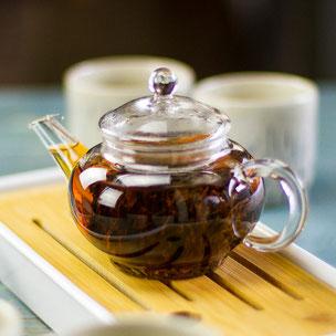 Kleine Teekanne aus Glas