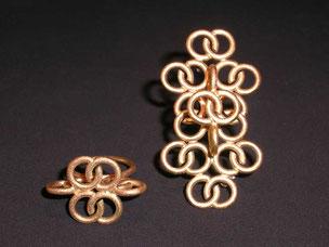 """""""arabesco"""" ring und brosche, gelbgold,- anello e spilla oro giallo"""