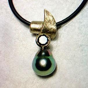 tahiti perlanhänger mit schwarzem diamanten