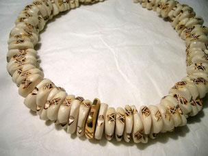 collier, knochen und gold,- collana, osso e oro