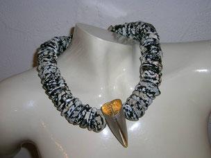 collier, nussschalen aus hawaii, silber und gold,- collana, gusci di noci hawaiiane, argento e oro.