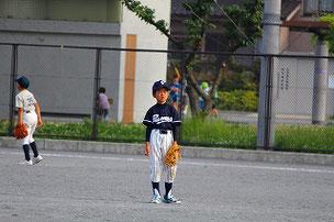 写真はありませんが、バットに球を当てることができたF君がベンチに帰ってきて「今のどう?」と嬉しそうに言ってきたのが印象に残りました。