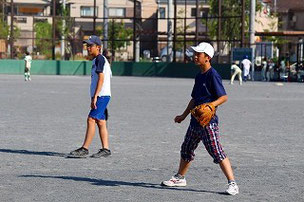 一塁手と二塁手の距離ってこんな近かったっけ?? 野球を忘れちゃったのかなぁ・・