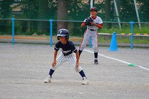 四球で出塁
