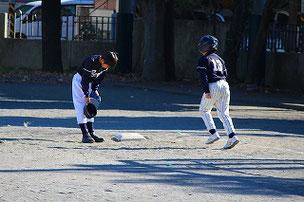 デッドボールを与えてしまった打者に、頭を下げるASA君。どうですかこの丁寧な頭の下げ方。100点!