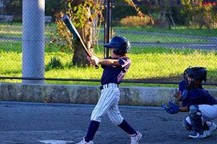 最近、野球が上手になってきたSHOUTくん。ヤル気まんまんです。