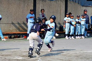 ダブルプレーを信じていない皆様に送る証拠写真。しんやもよく球を落とさなかったね。素晴らしい。