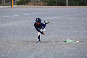 RIK君⑤。 キャッチボールで投げ方を注意をされている子は、少し参考にしてみてね。