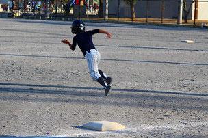 俊足を生かして2塁打