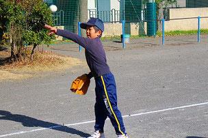 大型左打者になりそうなSOUSA君。糸井みたいになってよ。