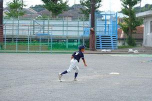 早い打球を捕ったSOUM君。よく捕りましたね。課題は本人に伝えました。