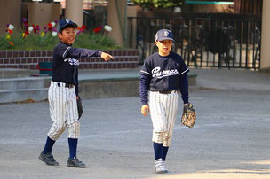 三塁手候補ではない二人が三塁手争い・・・w