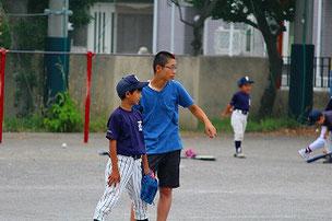 部活の合間をぬって、指導に来てくれたNAOコーチ