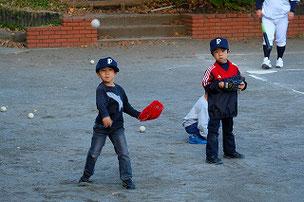 Pのアットホームな雰囲気を気に入ってくれたのか、別の小学校からわざわざ通ってくれています。これから一緒に野球を楽しもうね。