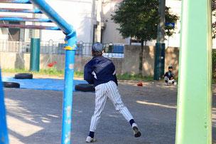 結構、良い球投げます。 他人の2倍、練習せよ。