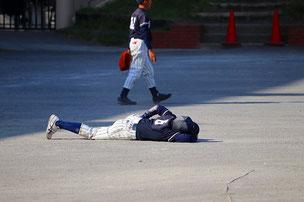 三塁手争いに勝った選手は結局、このザマ・・・w。何だったんだあの争いはw