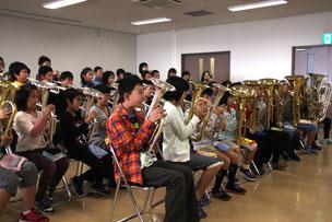 赤穂南小学校金管バンドの演奏