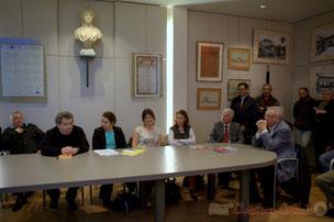 Jean-Marie Darmian, ces colistiers, Bernard Cros, Maire de Camarsac, accueillent Naïma Charaï, Conseillère régionale d'Aquitaine, Présidente de l'Agence pour la Cohésion Sociale et l'Égalité des chances (A.C.S.É.)