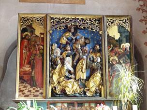 Bewegender Kreuzabnahmealtar in der Taufkapelle von 1498