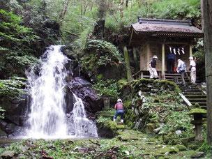 一関 真滝6民区 「滝神社」