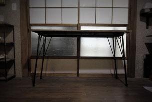 鉄脚テーブル