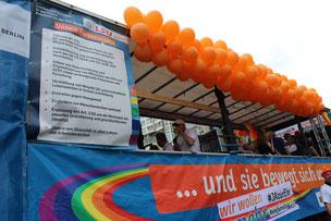 Noch fröhlich mit Hoffnung: Wagen der AG Schwule und Lesben in der Berliner CDU beim CSD 2015. Foto: Helga Karl