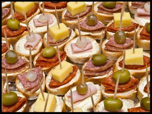 Betriebsausflugs Ideen mit Speiseangeboten vom Barbcue, Flammkuchen, Menüvariation zum Kalt Warmen Buffet