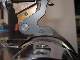 スペシャル押え金 電動革漉き機