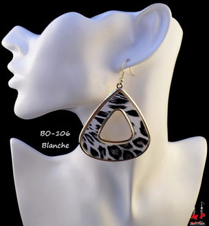 Boucles d'oreilles pendantes blanches triangles léopard