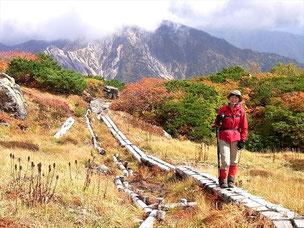 北弥陀ヶ原で、K山さんの後ろは三方崩山