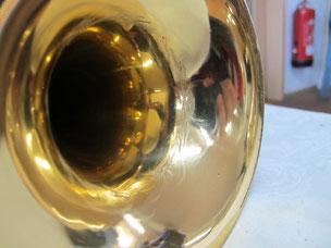 Trompetenbecher innen - wieder glatt