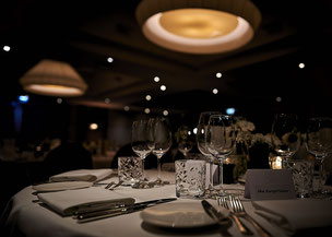 Diner tafel bij Bruiloft in La Bute Aux Bois