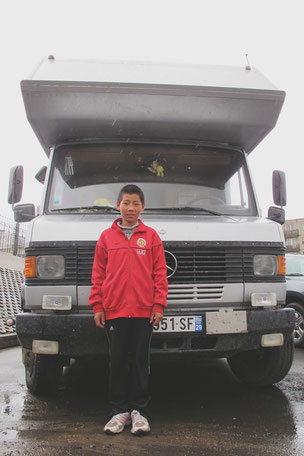 juin 2012: devant le camion à Oulan Bator