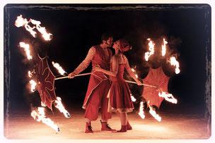 spectacle de feu, attrap'lune, les amants flammes