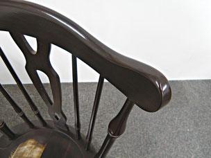 ■ 家具  椅子背もたれの欠損        After