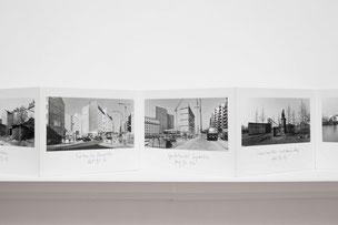 Ulrich Wüst Leporello Lesebuch Mitte - 80 Fotografien Berlin Mitte 1995-97, März 2003 © Ludger Paffrath
