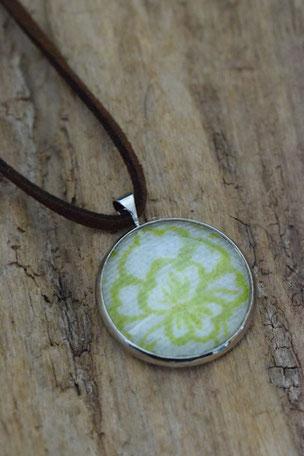 Kette Green Flower,  Glas, Schmuck, Glasanhänger, Mode, Stoff, Blüte
