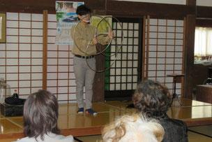 高重翔さんのマジックショー。つながりを表現したマジックだそうですが、3つのリングがくっついたり離れたり。本当に不思議です。
