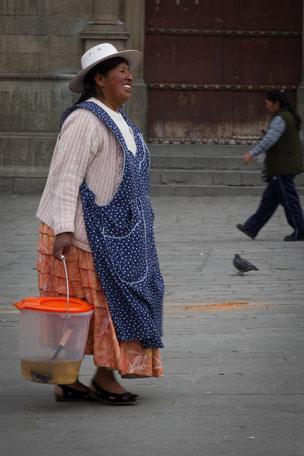 La Cholita feliz