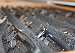 Brillenfassungen bei Gebker Optik in Gronau-Epe