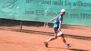 Gerd Metzker(TC Neustadt) - Klaus Reimers(TC Eutin) 6:2 6:4