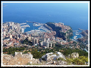 Tour de la Tête de chien (vue sur Monaco)