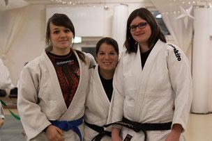 Die Organisatorinnen des Gemeinschaftstraining Judo JuJutsu Freunde Nordwest Birte Schmidt (DTB), Sandra Polarek (JC Bushido Delmenhorst) und Verena Rücker (PSV Oldenburg), Foto: Andreas Hartwig