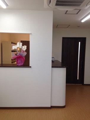 新川崎歯科医院 ファミリー歯科の待合室