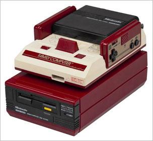 初代ファミコン本体とディスクシステムが合体した状態