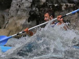 Une journée de plaisirs en canoe kayac et de jeu avec l'eau dans les Gorges de l'Ardeche.